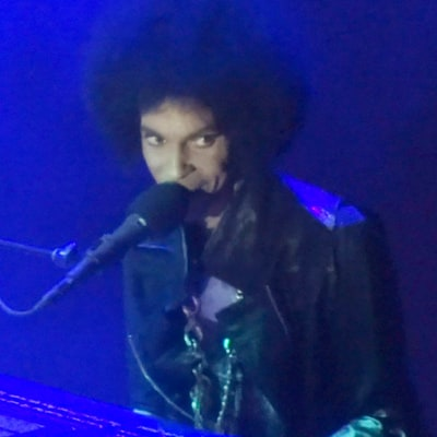 Prince's Final Performance of 'Purple Rain' Will Give You Chills