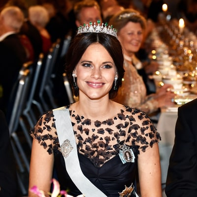 See the Parade of Swedish Princesses at the Nobel Prize Banquet (#TiaraGameStrong)