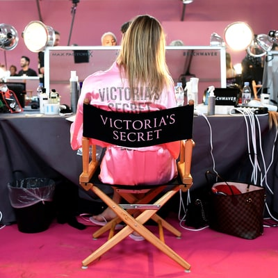 See All the Angels Primping Backstage at the VS Fashion Show 2016