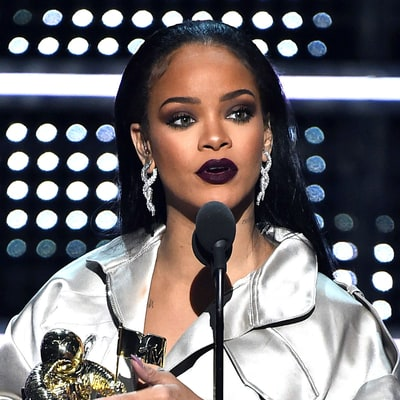 Watch Rihanna's Makeup Artist Re-Create Her VMAs 2016 Look