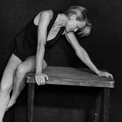 Pirelli's 2017 Calendar Features Nicole Kidman, Uma Thurman, More Stars in Unretouched Photos