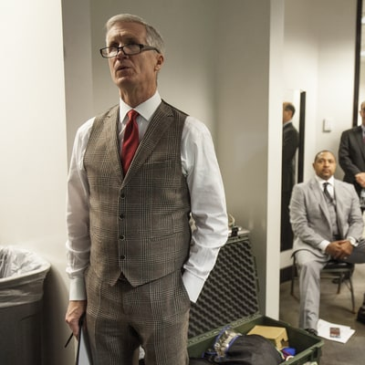 NBA Commentator Mike Breen: The Man in the Middle