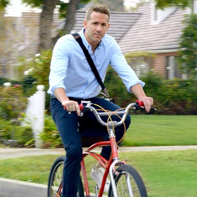 Ryan Reynolds Is a Huge Distraction to Drivers in Hyundai's Super Bowl 50 Commercial: Watch Here