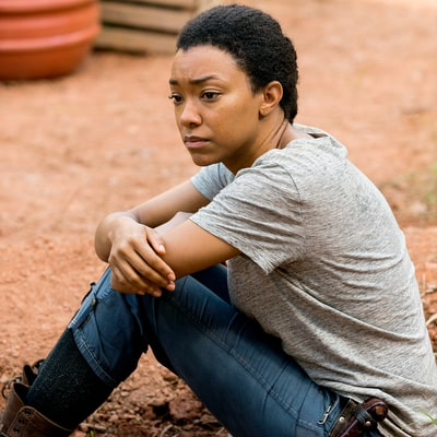 Walking Dead's Sasha Might Be Dying Soon: Is She Leaving So Sonequa Martin-Green Can Join 'Star Trek'?