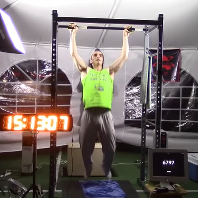 A Teenager Does 7,306 Pull-Ups, Sets New Record
