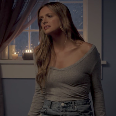 See Carly Pearce's Heart-Rending 'Every Little Thing' Video