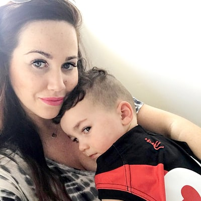 This Mom's Cute Selfie With Her Son Has a Gross (and Unexpected) Twist!