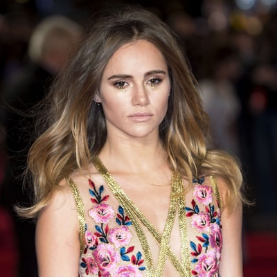 Suki Waterhouse Pulls Off the Real-Life Version of This Viral Beauty Meme