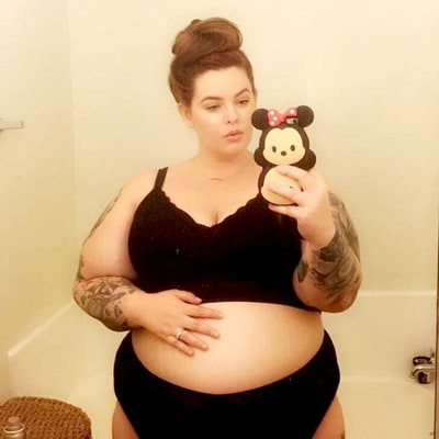 Pregnant Tess Holliday Shares Baby Bump Photo, Schools Body Shamers