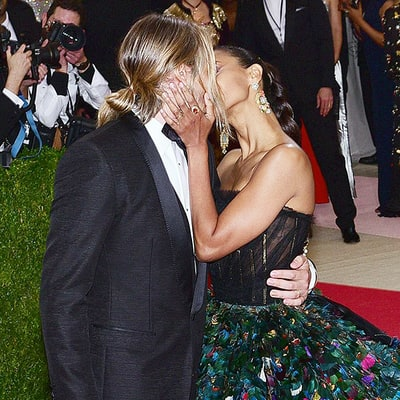 Zoe Saldana Shares a Steamy Kiss With Husband Marco Perego on the Met Gala 2016 Red Carpet